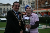 Smith defends his title in World Crazy Golf Championships